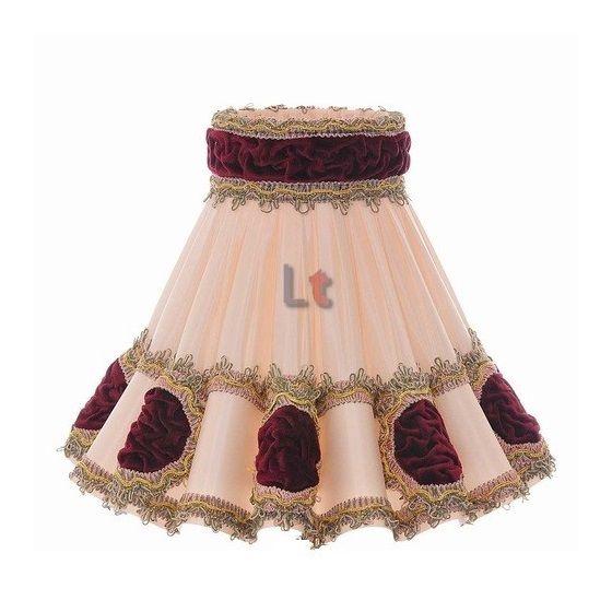 Op Design & Trends: Alles voor de inrichting van uw woning is alles over licht te vinden: waaronder lampentoppers en specifiek Rokkap Klassiek Rozet Bordeaux 43cm