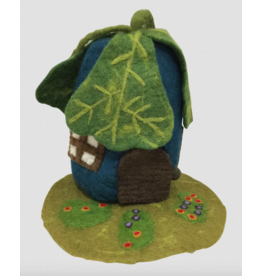 Papoose Toys Oak leaf house and mat