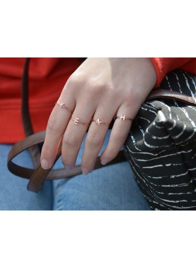 initiaal Ring rosé