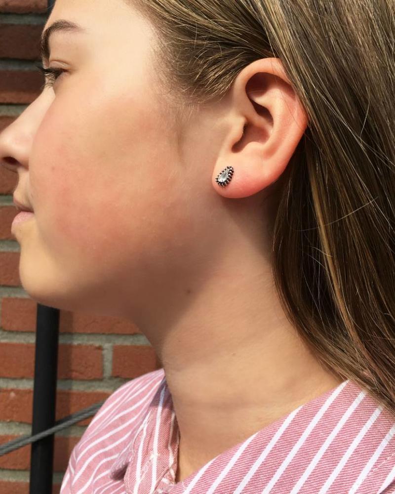 Jozemiek ® VINTAGE  TEARDROP CRISTAL Stud earring silver