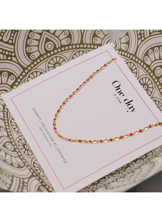 EIN TAG Charity Halskette Fuchsia