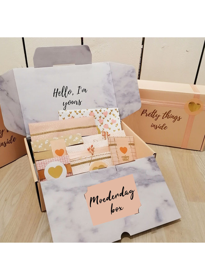 Mother's Day box with 7 loving gifts