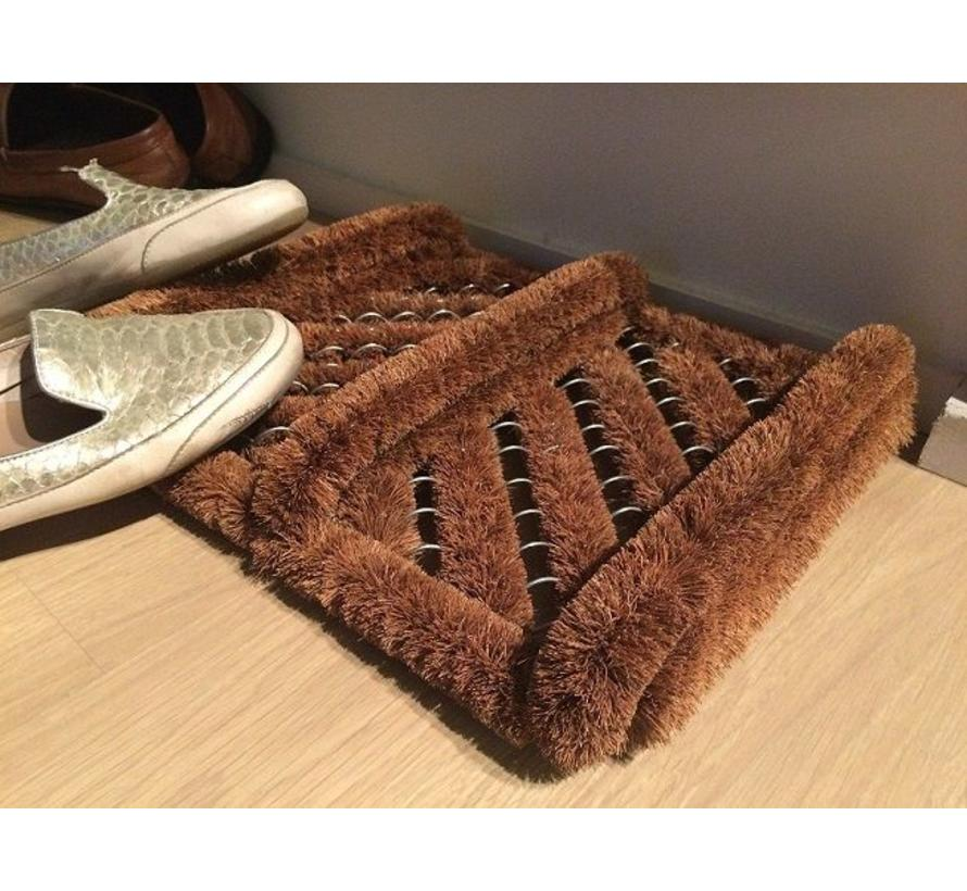 Gratte-pieds aux brosses à coco