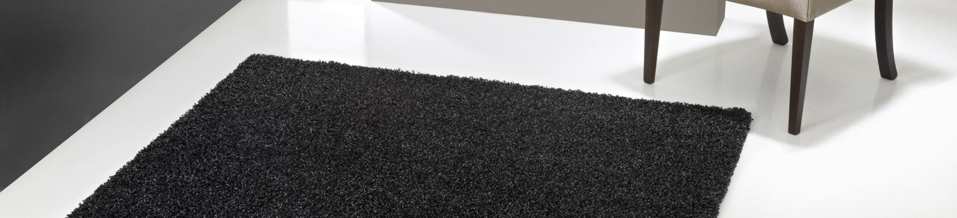 Zwart, de kleur van uw nieuwe tapijt?