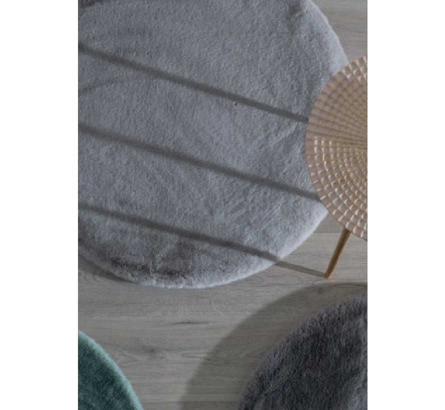 Fluweelzacht tapijt wit