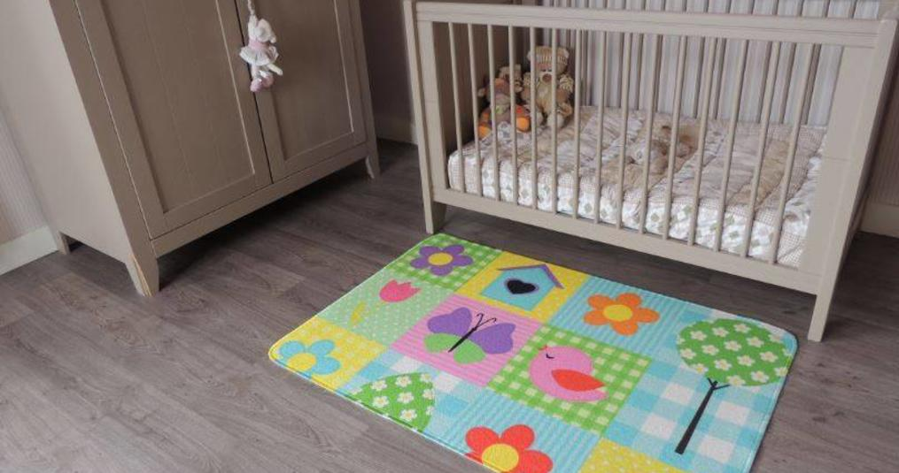 Een leuk vloerkleed babykamer in huis halen