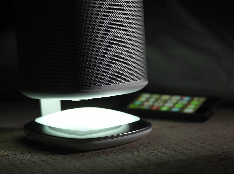 Nieuw! PLAY:1 Tafelstandaard met Verlichting en Oplaadmogelijkheid