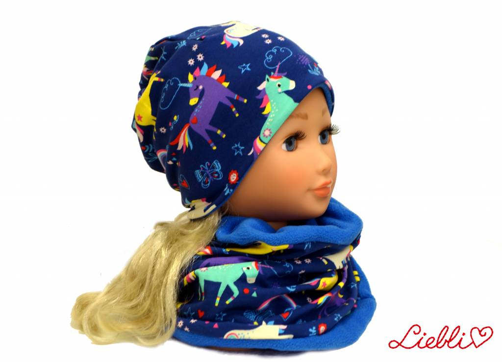 Warme Kindermütze mit passendem Loopschal, Einhörner auf blau