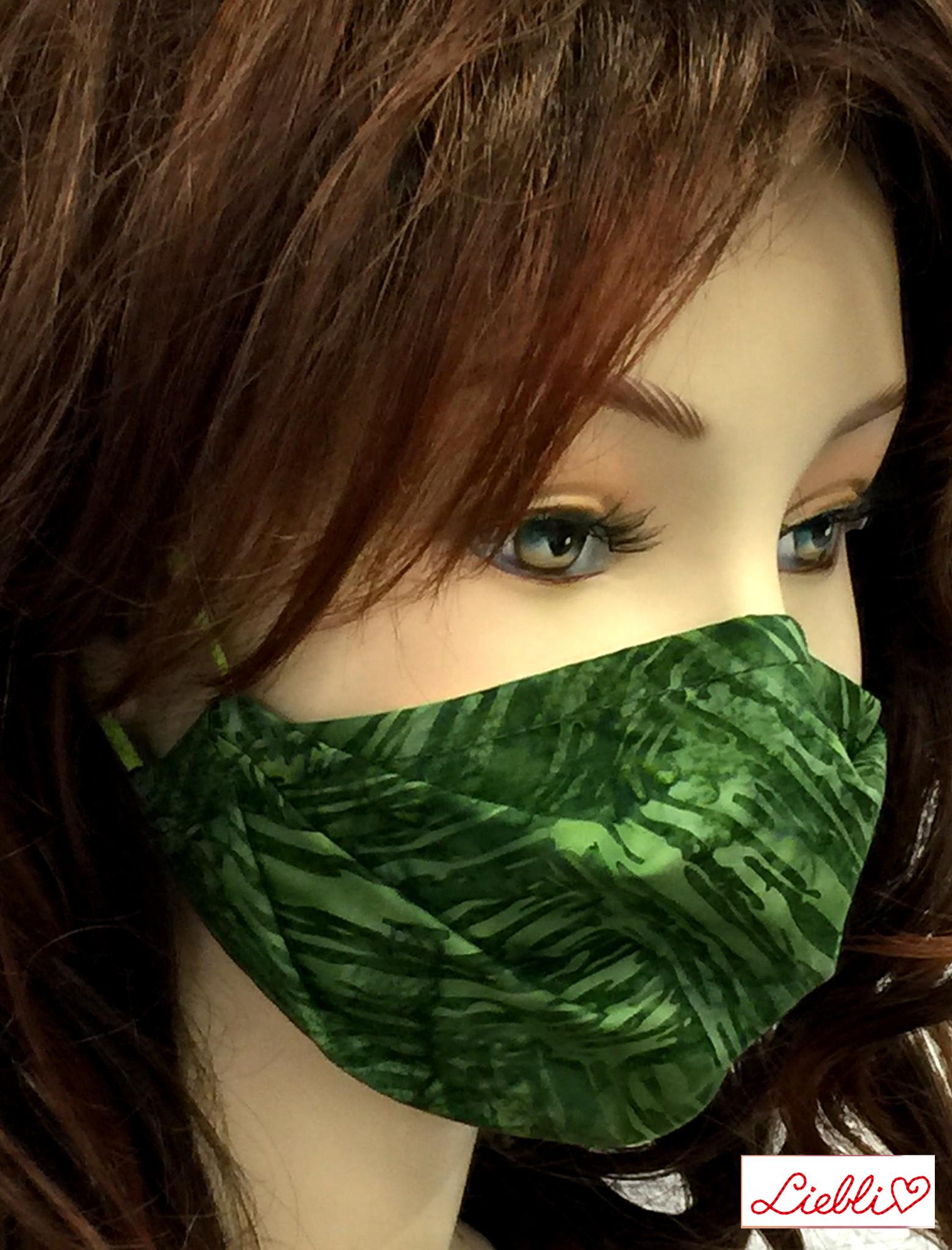 Schöne Stoffmasken/ modische, elegante Masken,  Stoffmaske Striche grün