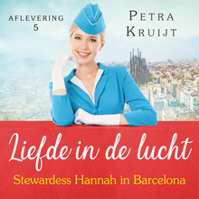 Petra Kruijt Stewardess Hannah in Barcelona - Liefde in de lucht 5