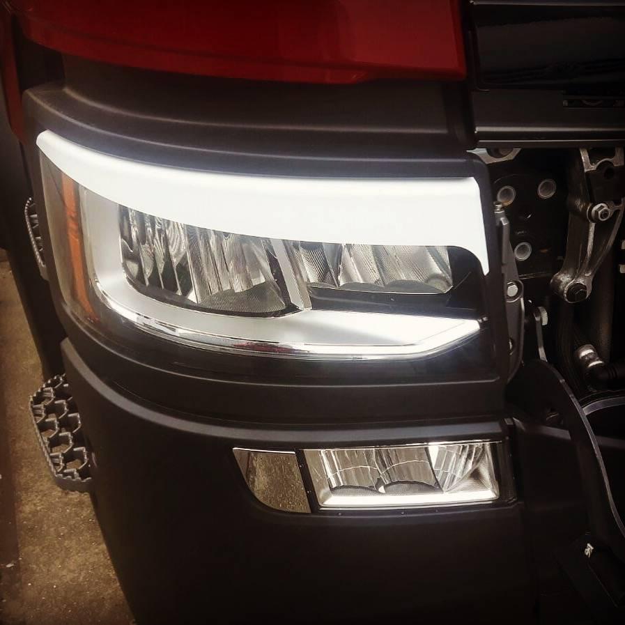 Headlamp eyebrows for Scania Nextgen