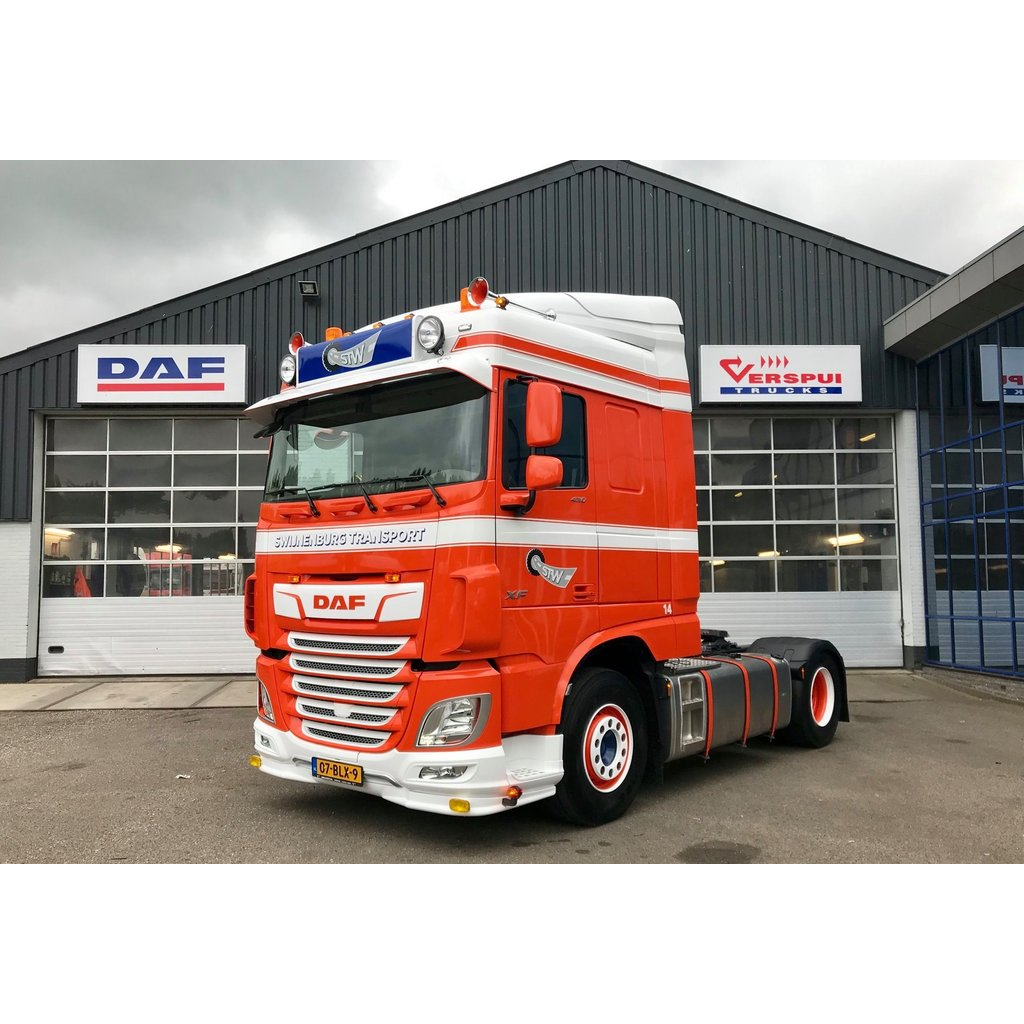 English Sunvisor DAF XF Space Cab
