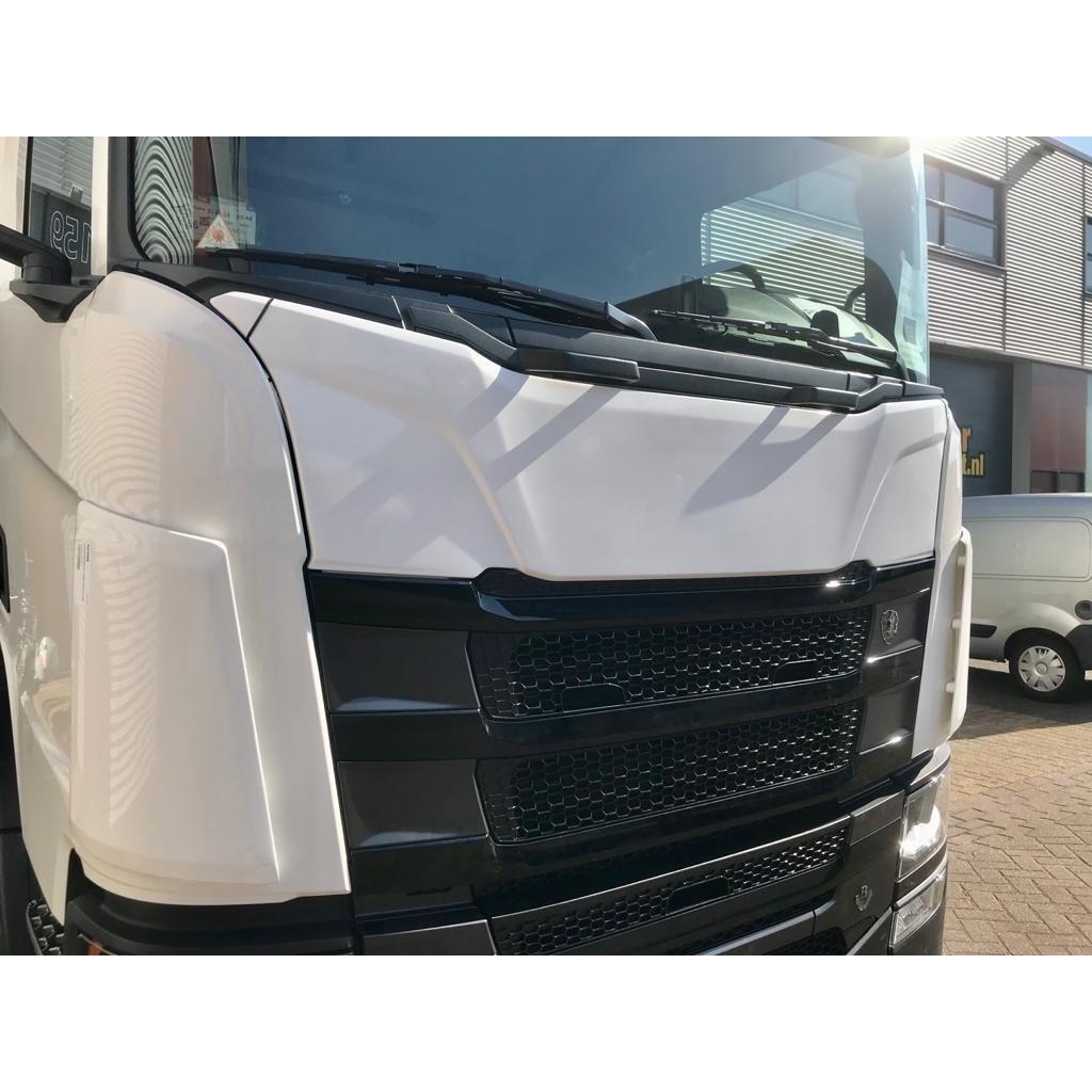 Solarguard full frontplate for Scania NGR