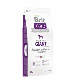 Brit Hundefutter Brit Care Giant Breed Salmon & Potato