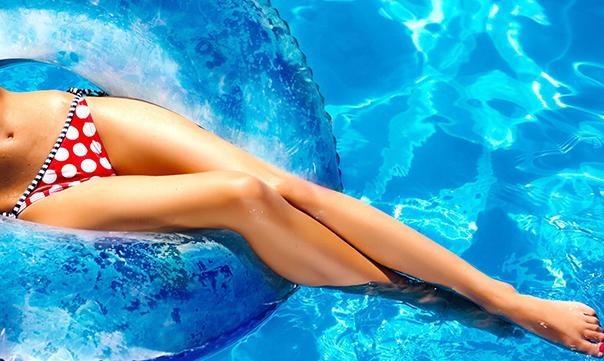 Kun je zwemmen met een zelfbruiner?