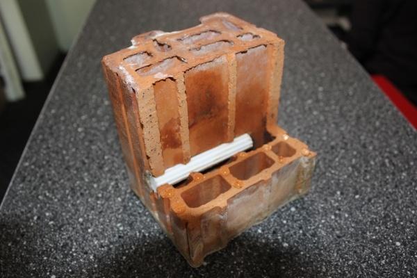 Wat met snelbouwsteen of holle baksteen? Kan ik die injecteren?