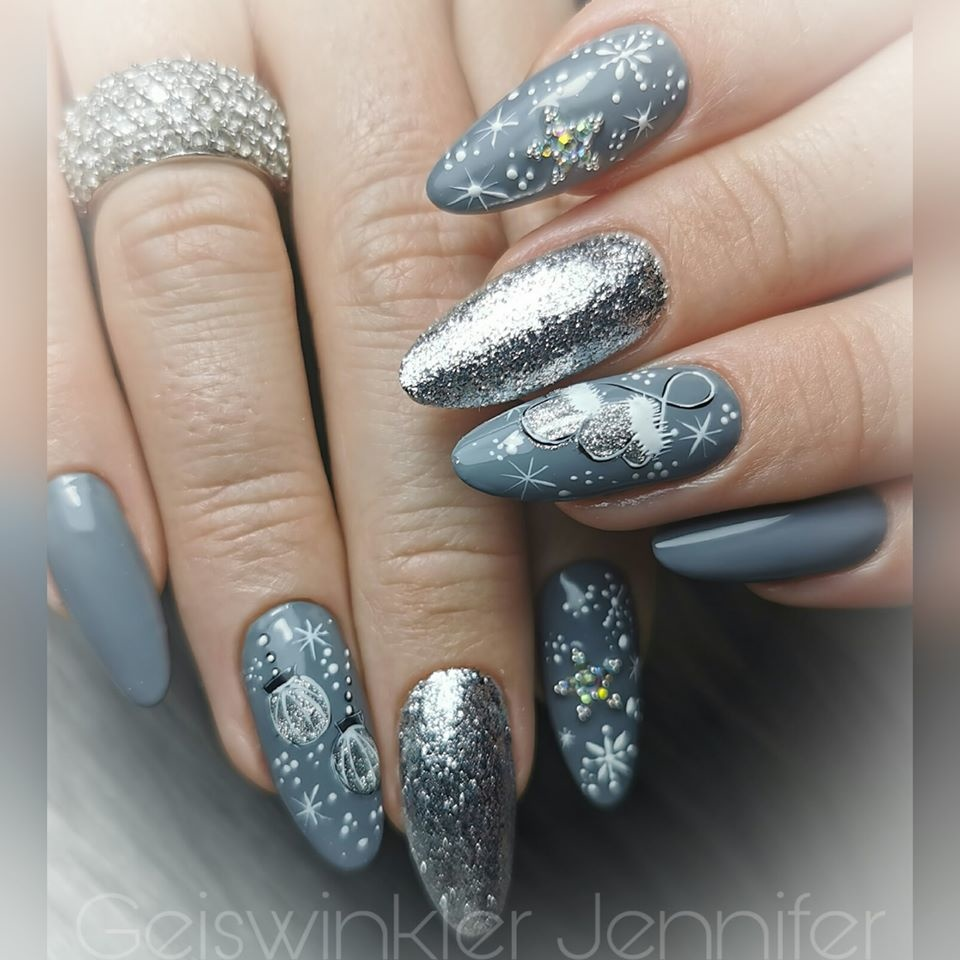 Wonderful Christmas Nails