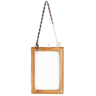 Madam Stoltz Hanging photo frame w/ brass borders 13x18 cm