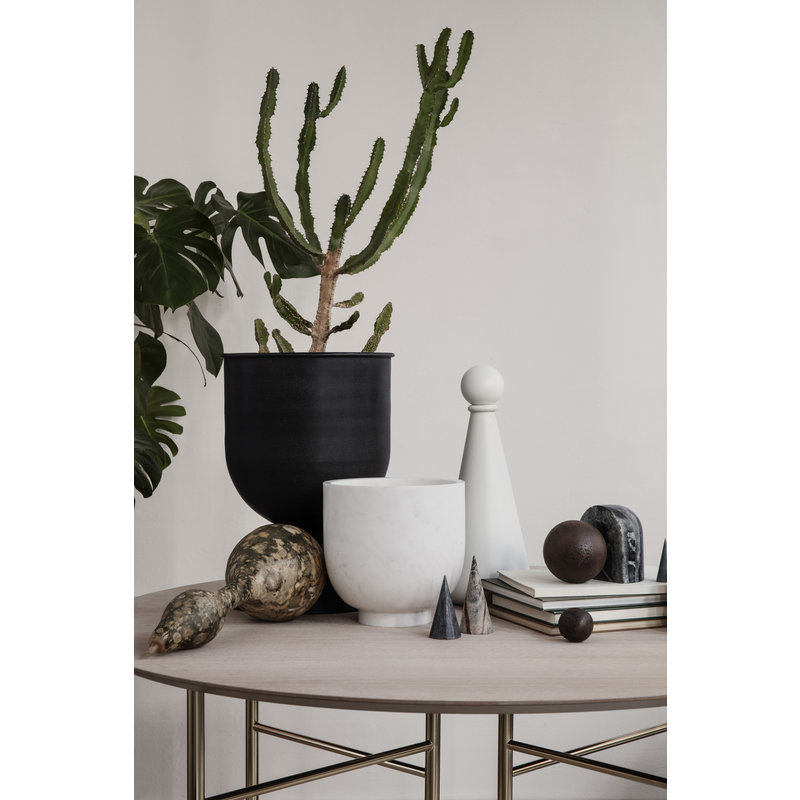 ferm LIVING-collectie Hourglass Pot - Small - Black/Dark Grey