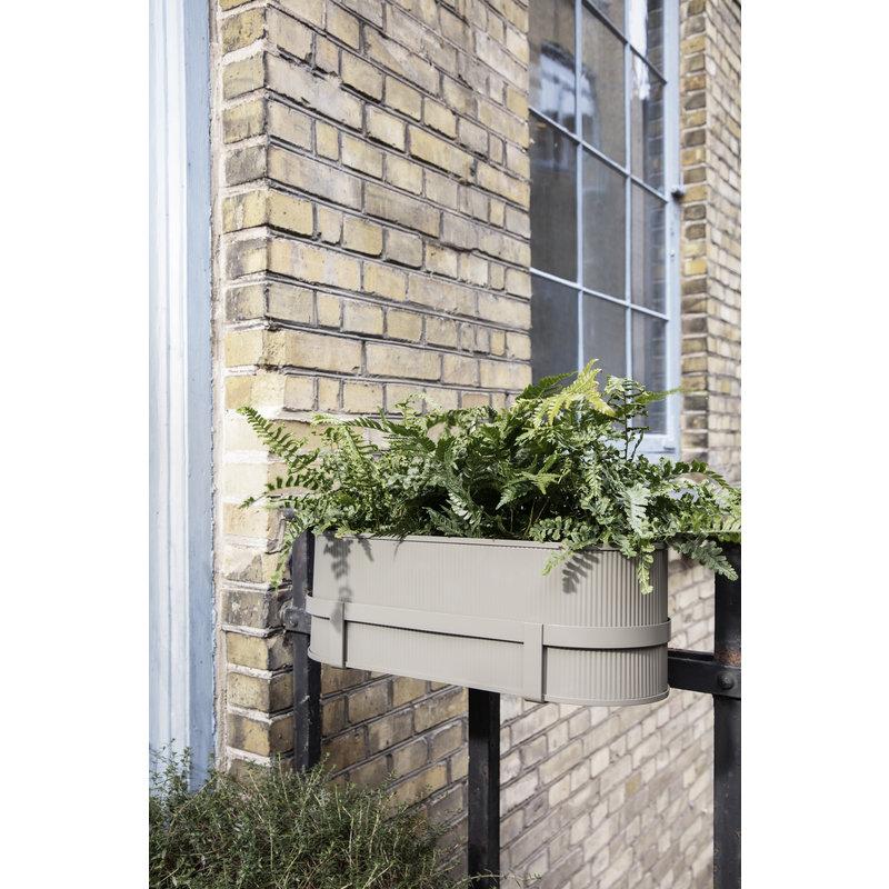 ferm LIVING-collectie Balkon plantenbak Bau warm grijs