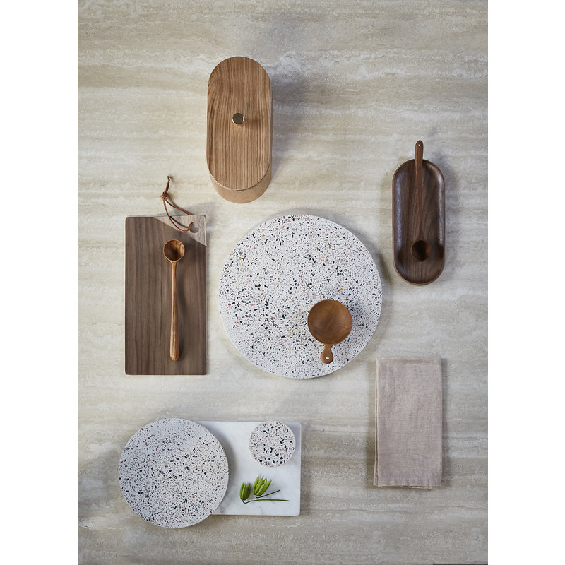 HKliving-collectie terrazzo cutting plate L