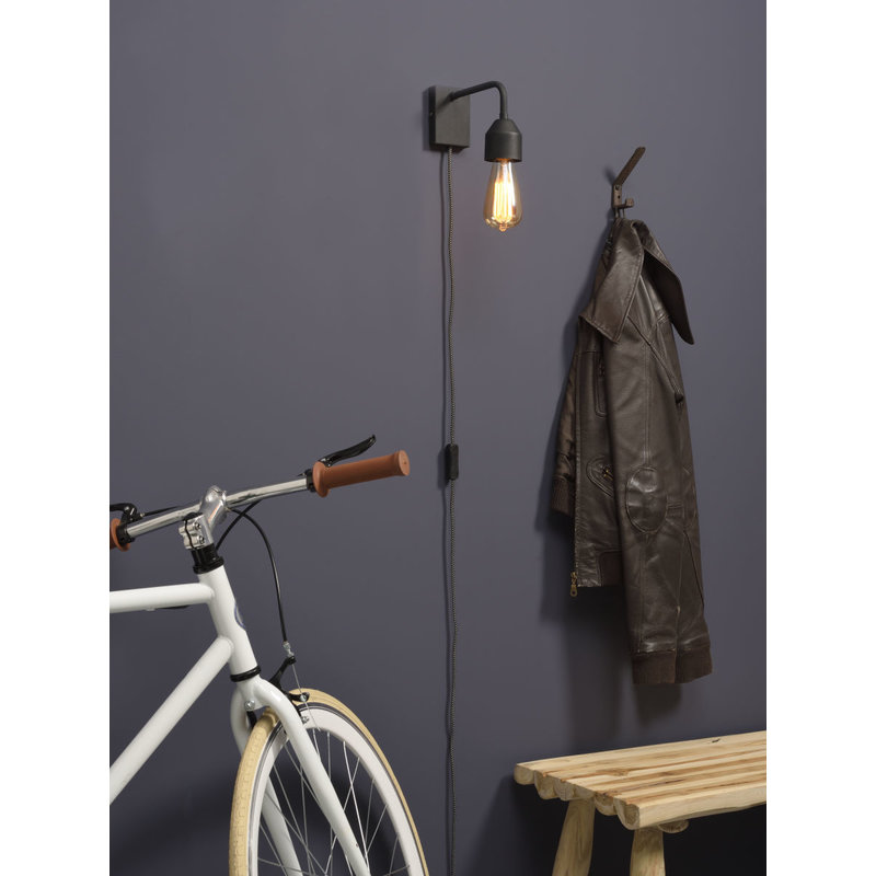 it's about RoMi-collectie Wall lamp iron Madrid black, S