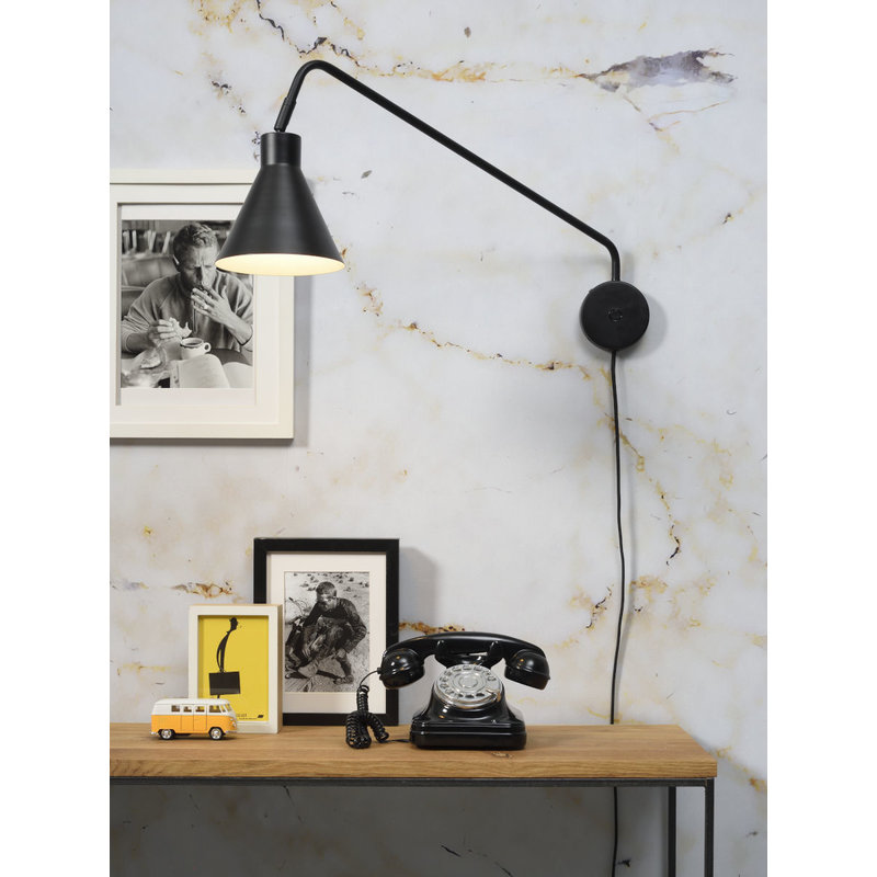 it's about RoMi-collectie Wall lamp iron Lyon, black