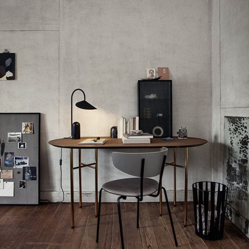 ferm LIVING-collectie Mingle tafelblad ovaal donker gebrand eiken 150 cm