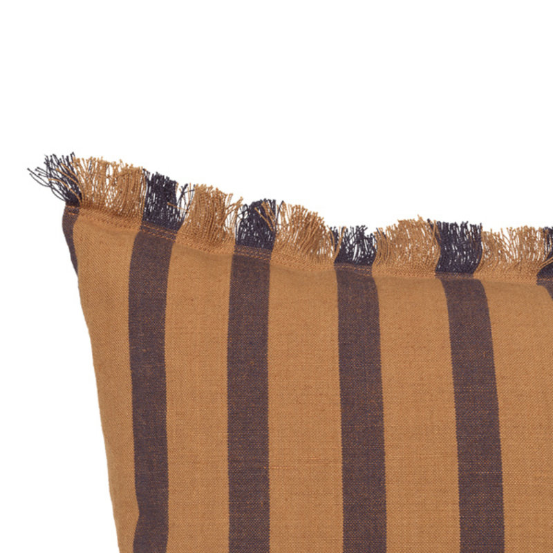 ferm LIVING-collectie True Cushion - Sugar / Kelp Black