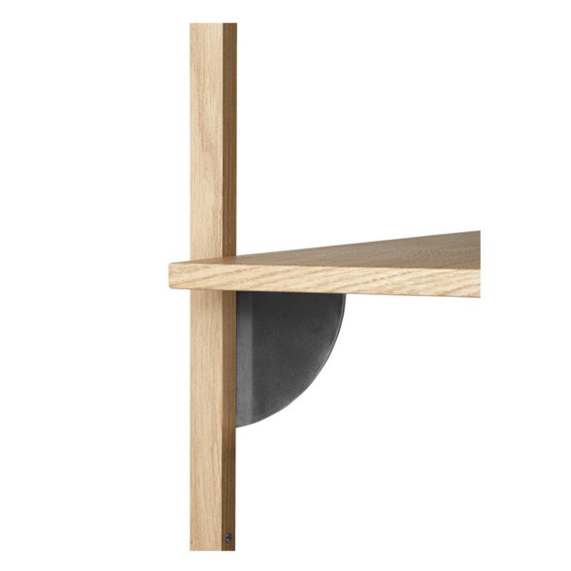 ferm LIVING-collectie Houten wandrek Sector T/N - eiken - zwart Brass
