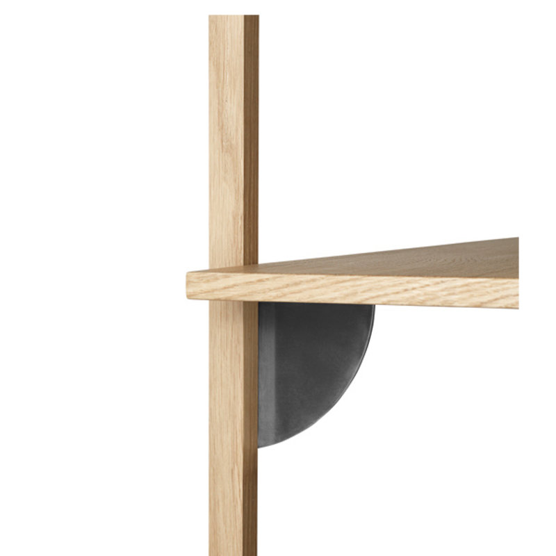 ferm LIVING-collectie Sector Shelf T/W - Oak - Black Brass