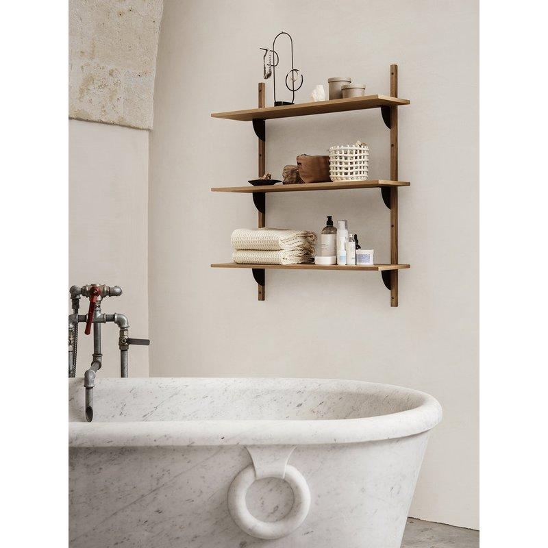 ferm LIVING-collectie Houten wandrek Sector Shelf T/W - eiken - zwart Brass