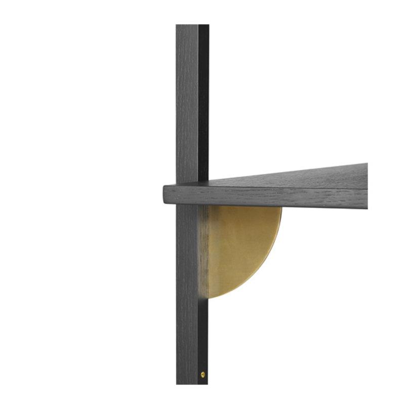 ferm LIVING-collectie Houten wandrek Sector Shelf T/W - zwart Ash-Brass