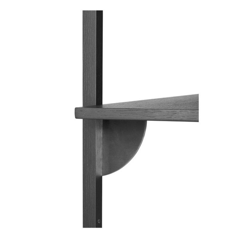 ferm LIVING-collectie Houten wandrek Sector Shelf T/N - zwart Ash-zwart Brass
