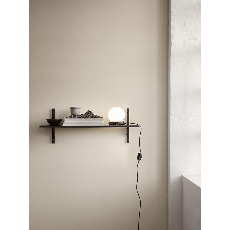 ferm LIVING-collectie Sector Shelf S/N - Oak - Brass