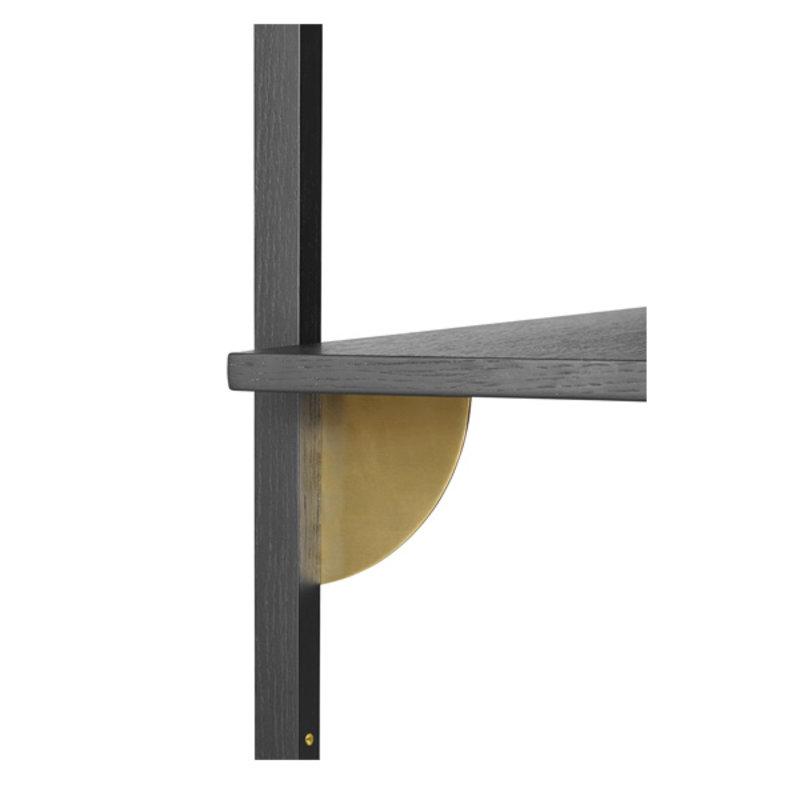 ferm LIVING-collectie Houten wandrek Sector Shelf S/N - zwart Ash-Brass