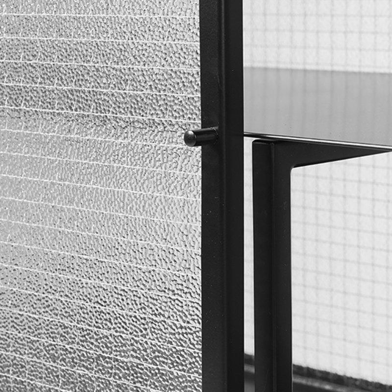 ferm LIVING-collectie Dressoir Haze zwart geblokt glas