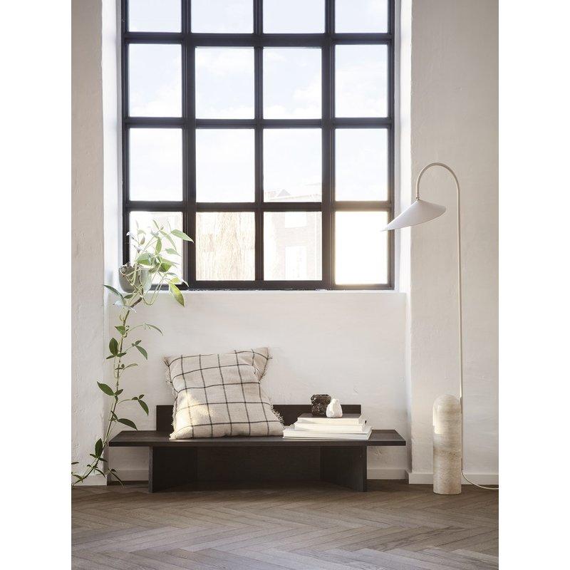 ferm LIVING-collectie Calm Cushion 48x48 - Camel / Black