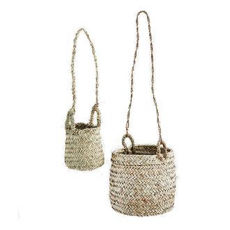 Madam Stoltz Hanging baskets