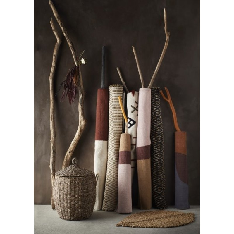 Madam Stoltz-collectie Hand woven cotton rug - Off white, plum, sugar almond, light kaki