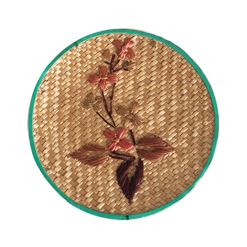 DEENS LOVES-collectie Vintage wicker storage basket with embroidery