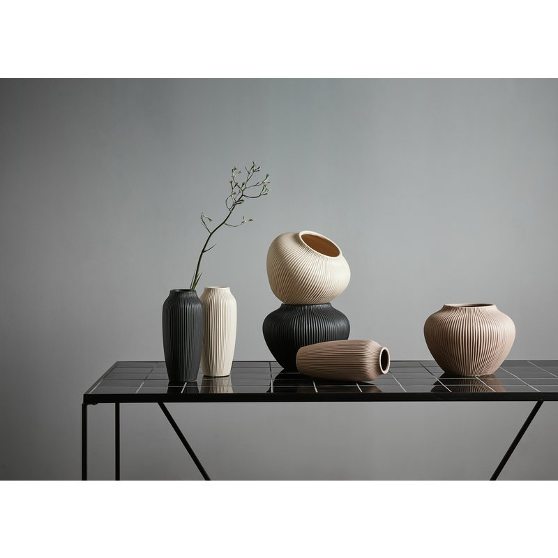 Nordal-collectie HANO low vase, black