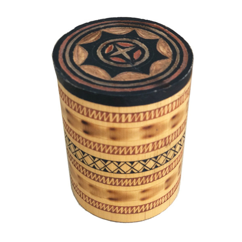 DEENS LOVES-collectie Vintage wooden jar with carvings