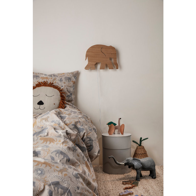 ferm LIVING-collectie Elephant wandlamp Smoked Oak