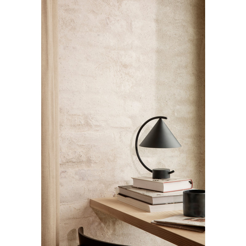 ferm LIVING-collectie Tafellamp Meridian zwart