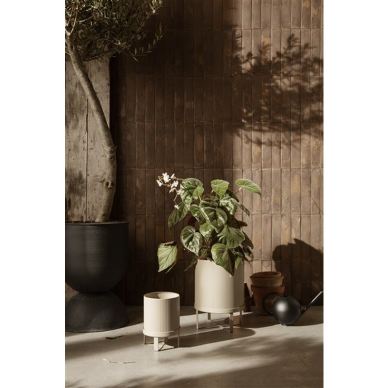ferm LIVING-collectie Hourglass Pot - Large - Black/Dark Grey