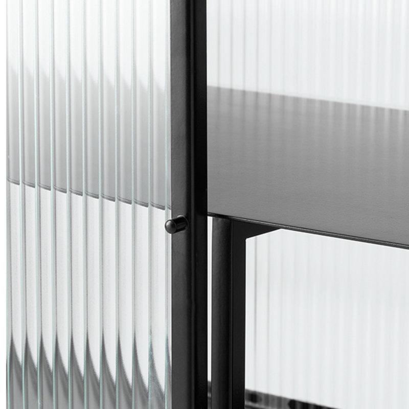 ferm LIVING-collectie Vitrinekast Haze zwart gestreept glas