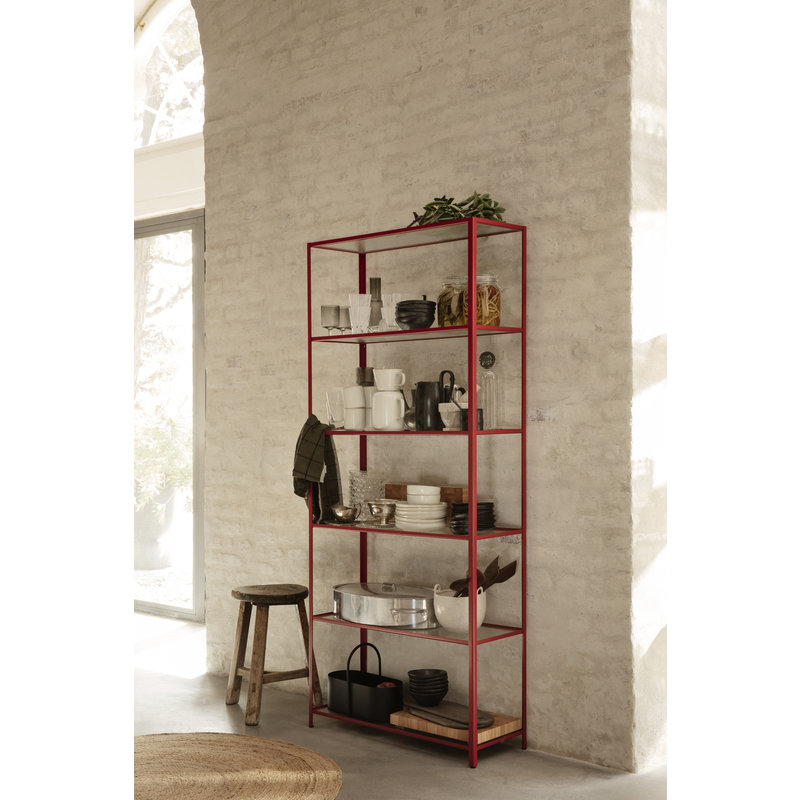ferm LIVING-collectie Haze Bookcase - Reeded glass - Poppy Red