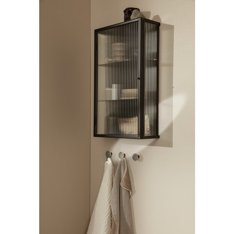 ferm LIVING-collectie Wandkast Haze zwart gestreept glas