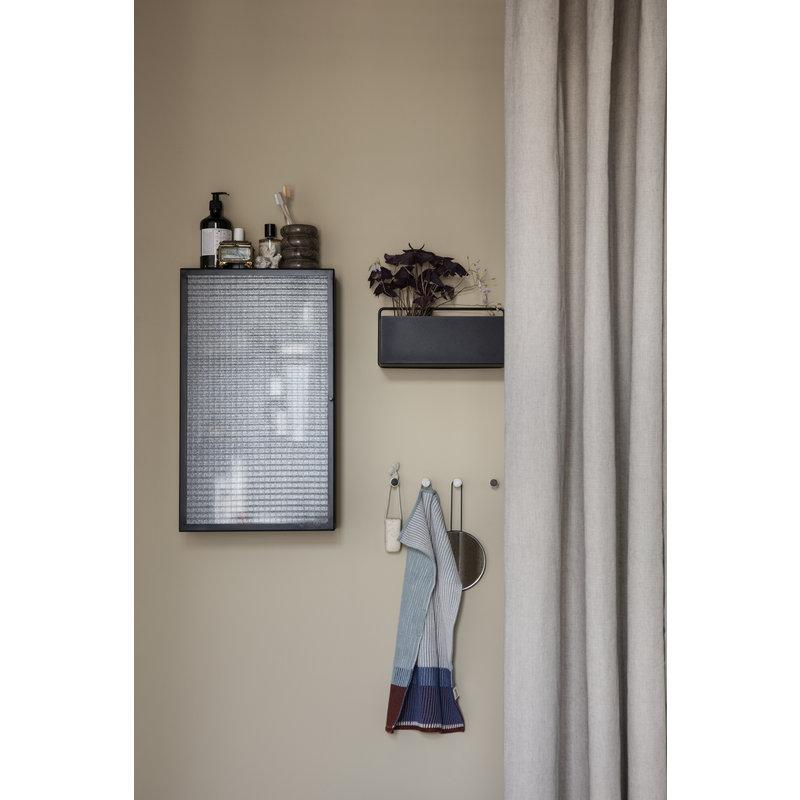 ferm LIVING-collectie Wandkast Haze zwart geblokt glas